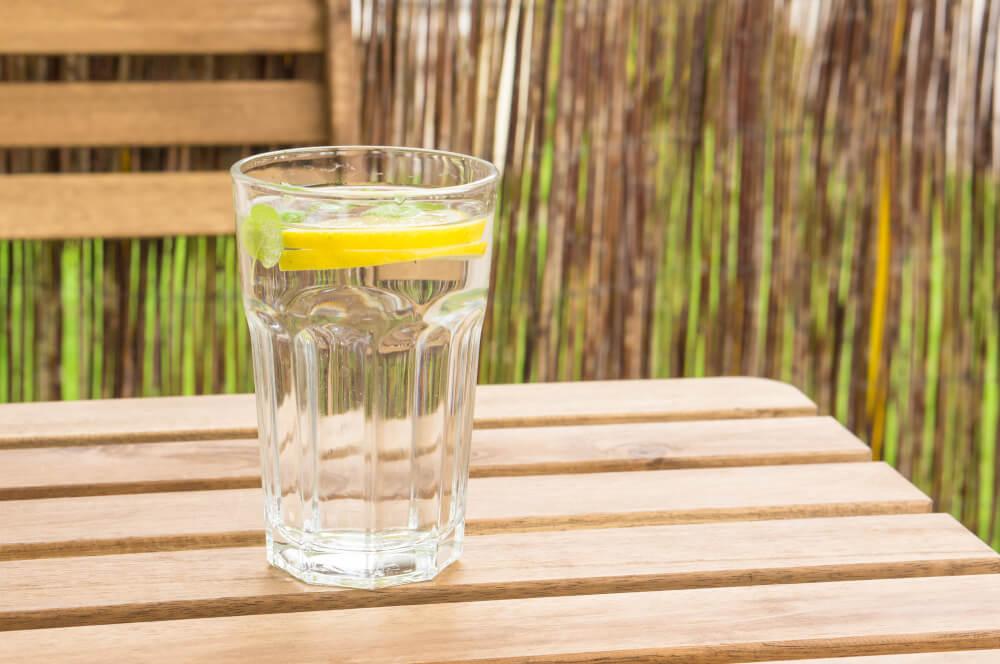 Вода для правильного харчування